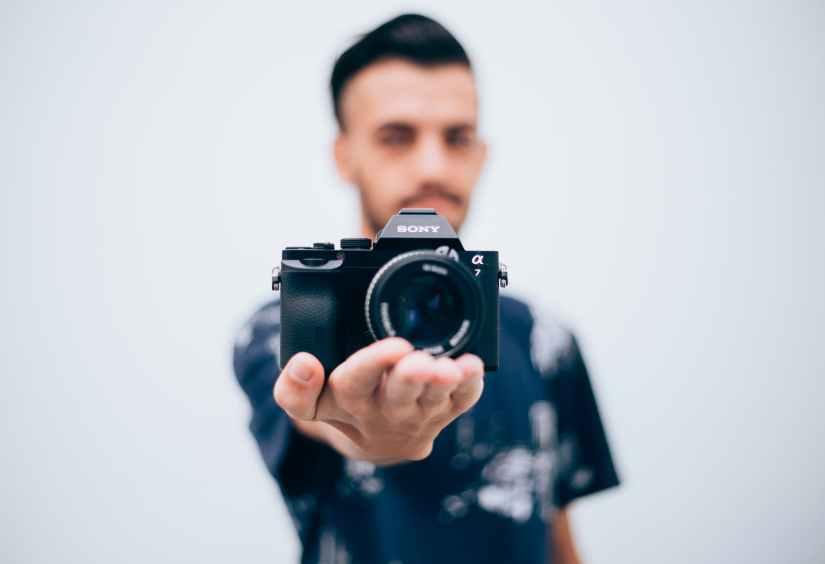 camera sony man